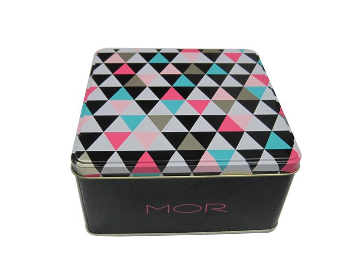 化妆品铁盒,化妆品铁盒应用好处是什么